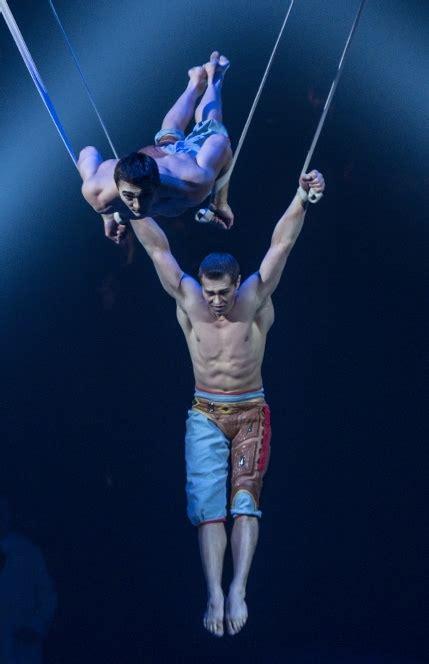 theater review kurios cirque du soleil