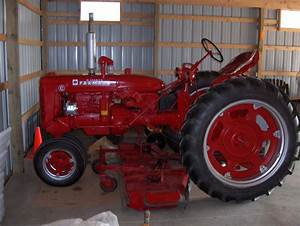 First Tractor - Ih 464 Gas