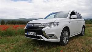 Voiture Hybride Rechargeable Renault : essai mitsubishi outlander phev 2019 un suv hybride rechargeable surprenant ~ Medecine-chirurgie-esthetiques.com Avis de Voitures