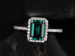 Rosados box esmeralda 8x6mm white gold rectangle emerald for Emerald and diamond wedding ring