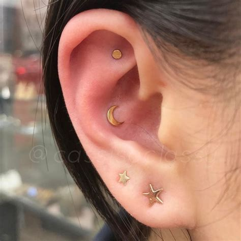 piercing oreille conch die besten 25 conch piercings ideen auf ohren piercing muschel conch und orbital