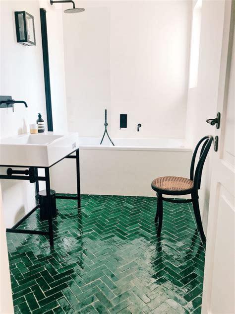 Bathroom Floor Tile Guide by 50 Beautiful Bathroom Tile Ideas Small Bathroom Ensuite