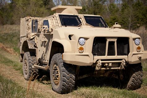 Replacement For Humvee by The Humvee S Replacement The Oshkosh L Atv Eideard