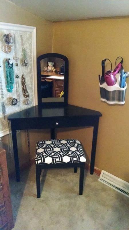 Corner Bedroom Vanity by Best 25 Corner Vanity Ideas On Corner Makeup