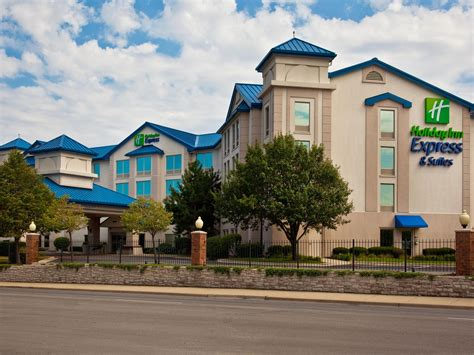 Hotels Near Midway Airport Holiday Inn Express And Suites