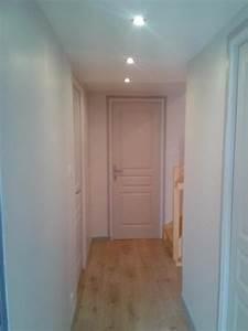 couleur peinture entree couloir maison design bahbecom With nice couleur peinture couloir sombre 16 decoration hall d entree escalier