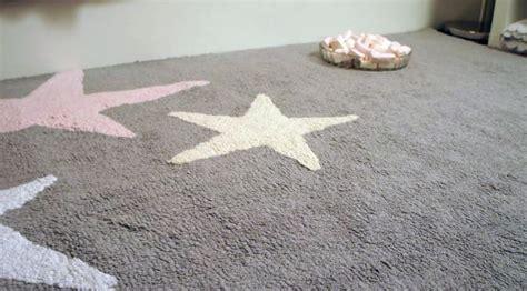 grand tapis chambre grand tapis pour chambre 13 idées de décoration