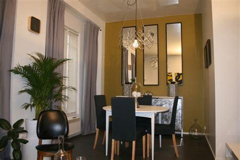 canapé pour salon décoration salon jaune moutarde