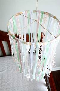 Mobile Baby Diy : diy baby mobile for crib using embroidery hoop ribbon ~ Buech-reservation.com Haus und Dekorationen