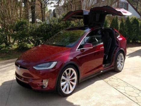 Get Tesla 30000 Euro Auto Background