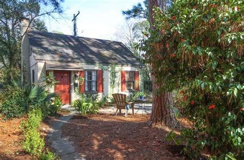 tiny cottage vacation rental  savannah georgia