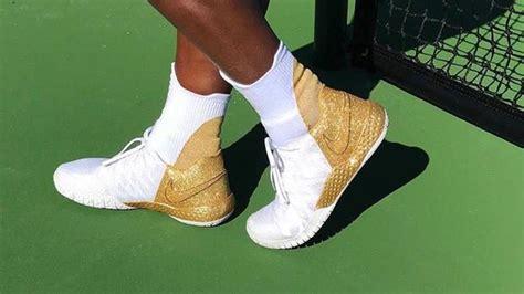 Fueron suficientes para que un fotógrafo de efe le hiciera un primer plano en donde sobresalen los muslos. Serena Williams regresará en Australia