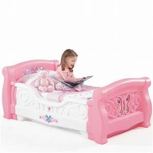 Girl39s toddler sleigh bedtm kids furniture by step2 for Toddler bed girl