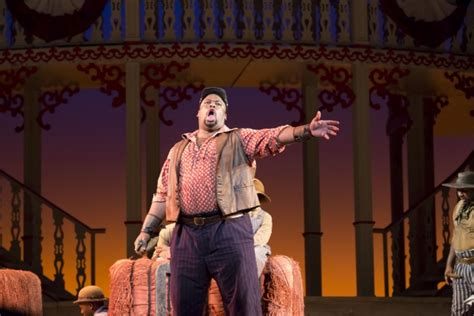 Houston Boat Show Reviews by Bww Reviews Houston Grand Opera S Entertaining Show Boat