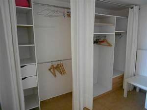 Dressing Rideau Ikea : dressing avec rideaux rangement pinterest dressing ~ Dallasstarsshop.com Idées de Décoration
