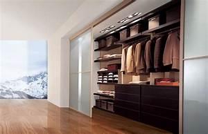 Begehbarer Kleiderschrank Türen : begehbarer kleiderschrank mit innovativem eckelement idfdesign ~ Sanjose-hotels-ca.com Haus und Dekorationen