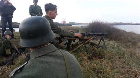 FIRING A MG42 - YouTube