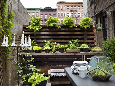 Patio Gardens Apartments by 30 Small Garden Ideas Designs For Small Spaces Hgtv