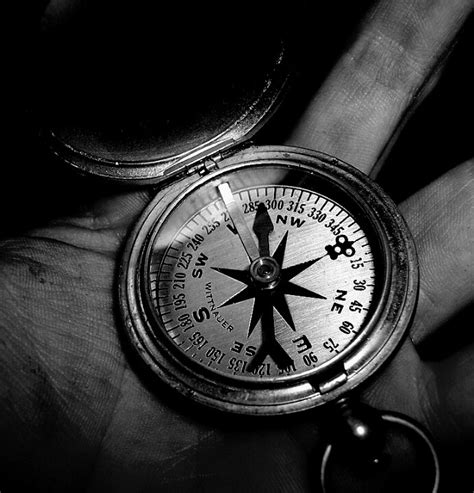 compass black and white black and white compass black and white