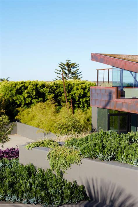 jeffrey gordon smith landscape architecture modern beach house with rooftop garden 2017 hgtv