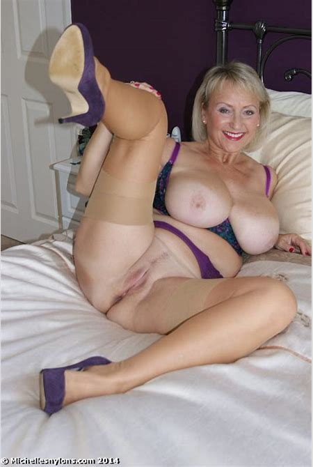 Mature nude photos in warmers Pic # 7 of Amateur busty older chick in sheer stockings and high ...