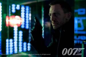 James Bond Skyfall : ola rapace skyfall james bond interview collider ~ Medecine-chirurgie-esthetiques.com Avis de Voitures