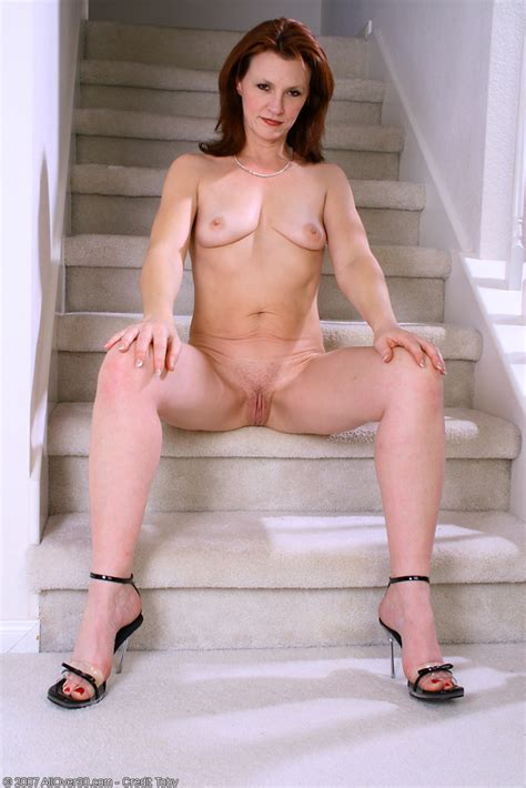 redheaded milf kate b spreads her ass pichunter