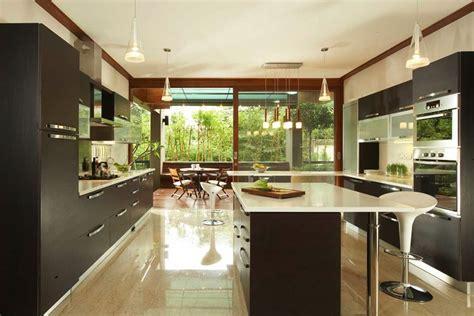 Black white kitchen island   Interior Design Ideas.