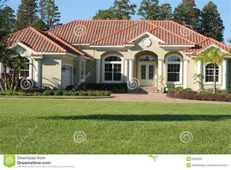 mediterranean style house plans casa mediterranea di stile fotografia stock