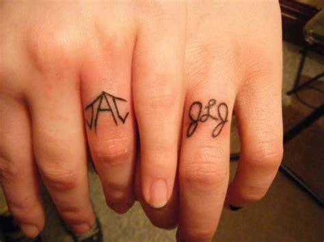tattoo wedding ring finger design for glamorous