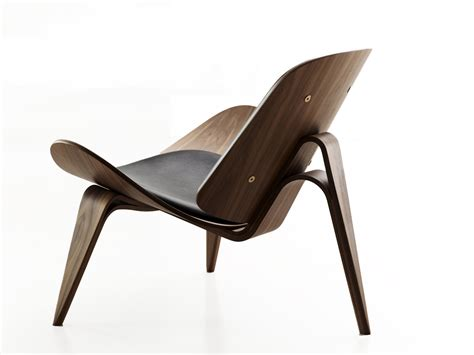 buy the carl hansen ch07 shell chair walnut at nest co uk