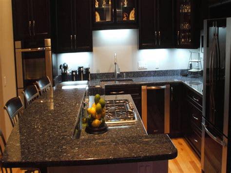 foto cocina estilo clasico moderno  cubierta de