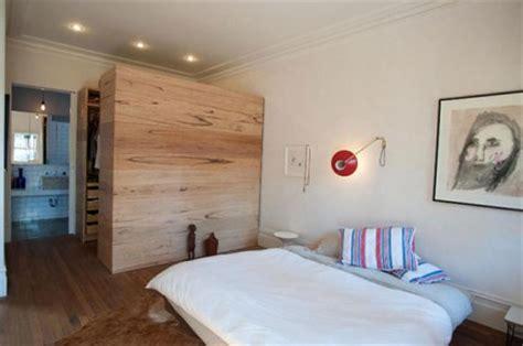 schlafzimmer mit begehbarem kleiderschrank begehbarer kleiderschrank im schlafzimmer aus australien wohnideen einrichten