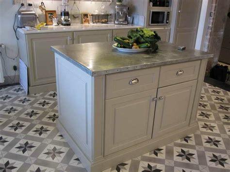 cuisine en zinc meuble de cuisine zinc