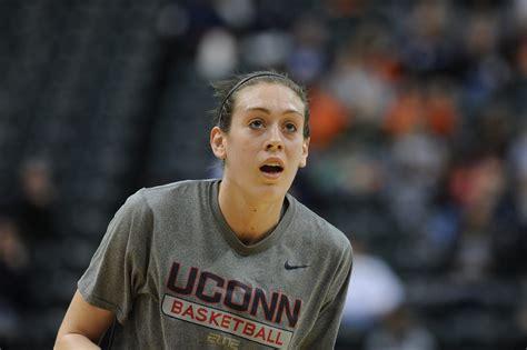 UConn's Breanna Stewart faces hometown Syracuse team she ...