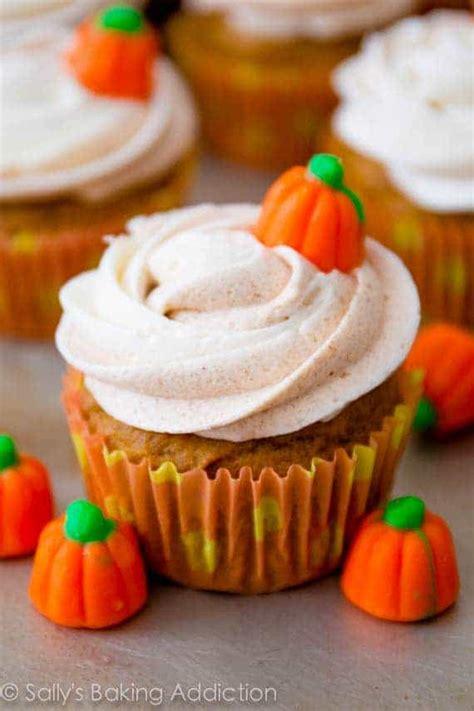fall cupcakes house  yumm