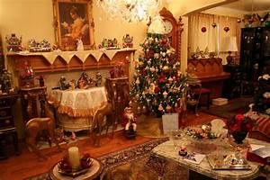 American Living Room With Decorated Christmas Tree #4108