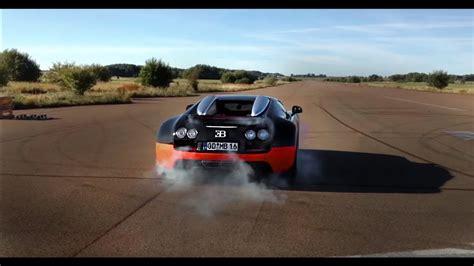 Un bugatti veyron haciendo burnouts sin compasión. Crazy Bugatti Veyron Vitesse Launch Control & Burnout - YouTube