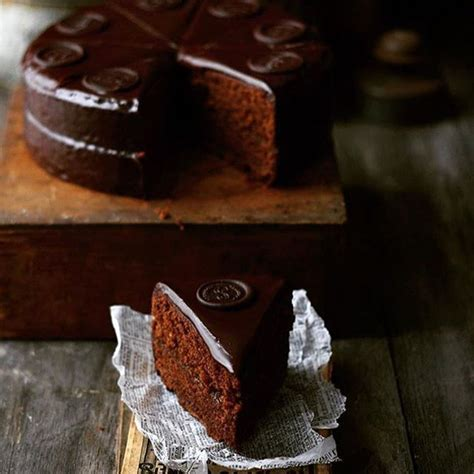 pin  mary    eat cake  images sacher