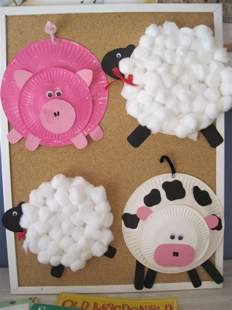 early language skills through play farmyard craft 962 | 016