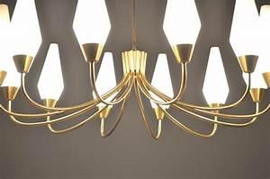 Grand Lustre Design : grand lustre italien en laiton et opaline 1950 design ~ Melissatoandfro.com Idées de Décoration