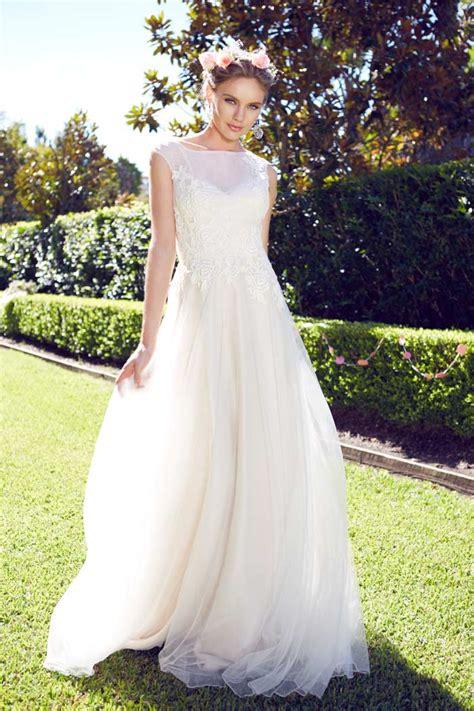 garden wedding dresses   bride   girls