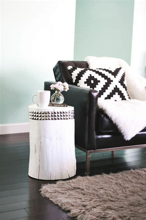 plaid noir pour canapé le meilleur plaid en fourrure en 40 photos inspirantes