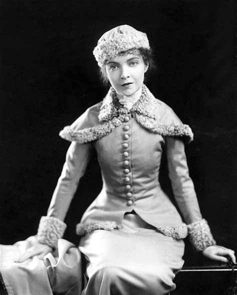 Lillian Gish, 1920s Photograph by Everett