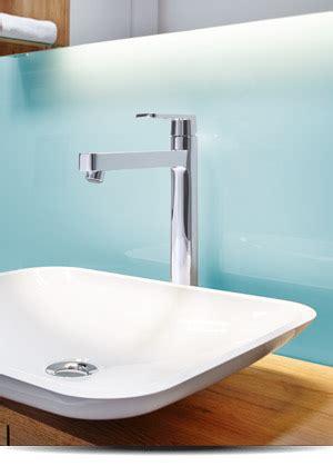 waschbeckenrückwand mit motiv aus glas oder plexiglas