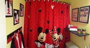 mickey mouse bathroom mickey minnie decor