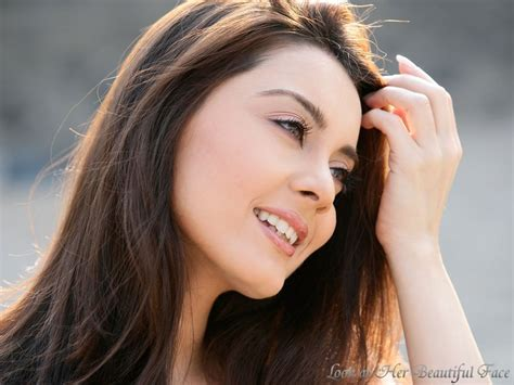 Look At Her Beautiful Face Look At Minissha Lamba