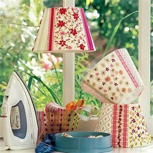 Fabriquer Un Abat Jour En Tissu : des abat jour en chutes de tissus fleurs marie claire ~ Zukunftsfamilie.com Idées de Décoration