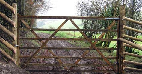 deer fences and gates deer fencing game fence livestock fences deer netting estate fencing deer enclosures for