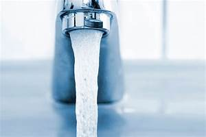 Bottled water vs tap water rethink what you drink for Is bathroom tap water drinking water
